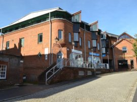 AIR-CONDITIONED, TOWN CENTRE OFFICES WITH PARKING, 5,000 TO 10,000 SQ FT, AVAILABLE ON NEW LEASE