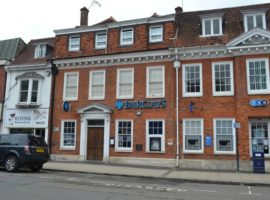 TOWN CENTRE - CLASS E BUSINESS USE, 2,767 SQ FT FORMER BANK PREMISES, Available on NEW LEASE, TO LET
