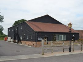 STUDIO STYLED/CLASS E USE BUSINESS PREMISES, 2414 SQ FT WITH AMPLE PARKING - TO LET